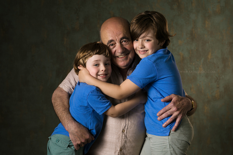 Reportaje fotos nietos y abuelos
